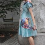 Robe bleue arc-en-ciel